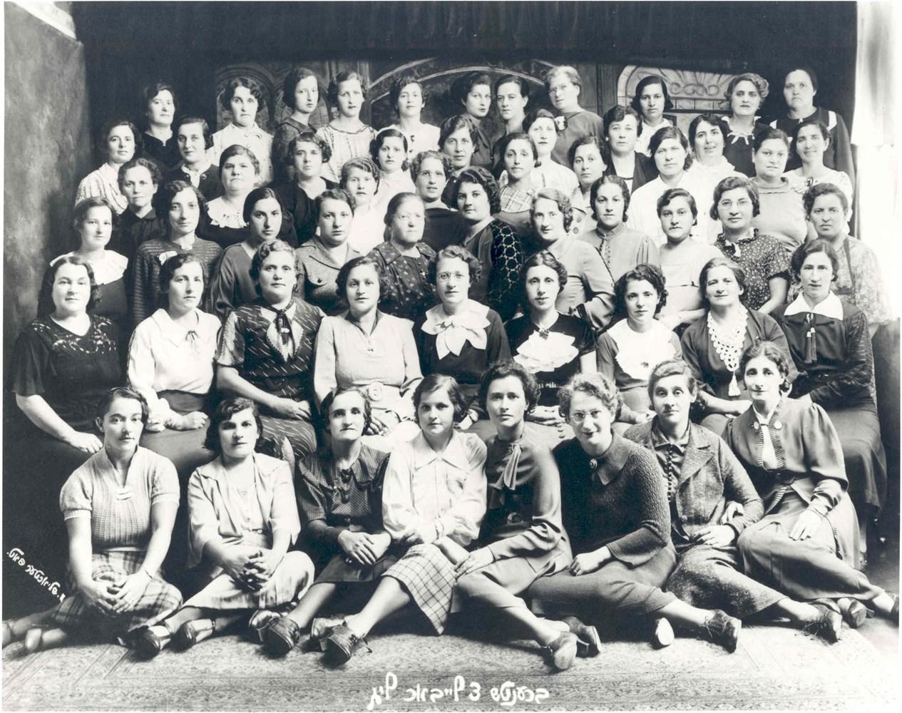 ontario jewish single women Rating of beautiful jewish women (israeli women)  toronto, ontario, canada, for her father was jewish) - canadian actress and social activist 25 donna feldman.
