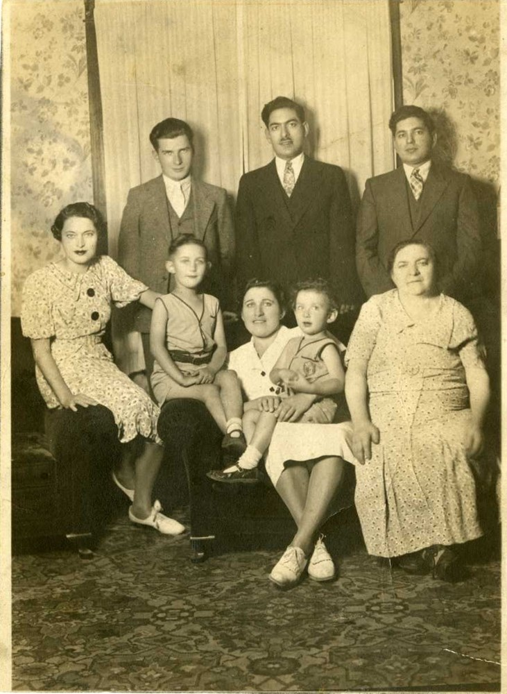 south hamilton jewish girl personals Home | library | find articles  index of jewish periodicals this is  south hamilton, ma 01982 978-468-7111 admissions: 1-800-428-7329.