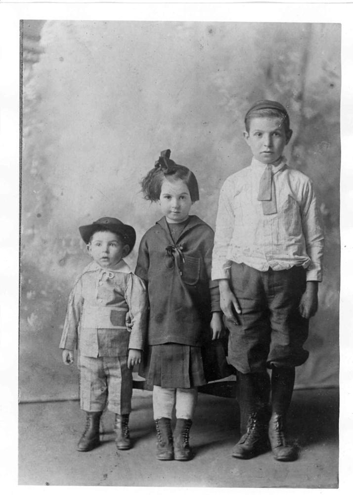 ontario jewish girl personals History of the jews in canada  a jewish girl who arrived in 1738  the canadian jewish farm school in georgetown, ontario was established in 1927 and.